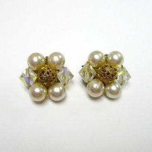 VTG faux pearls cluster beads clip-on earrings